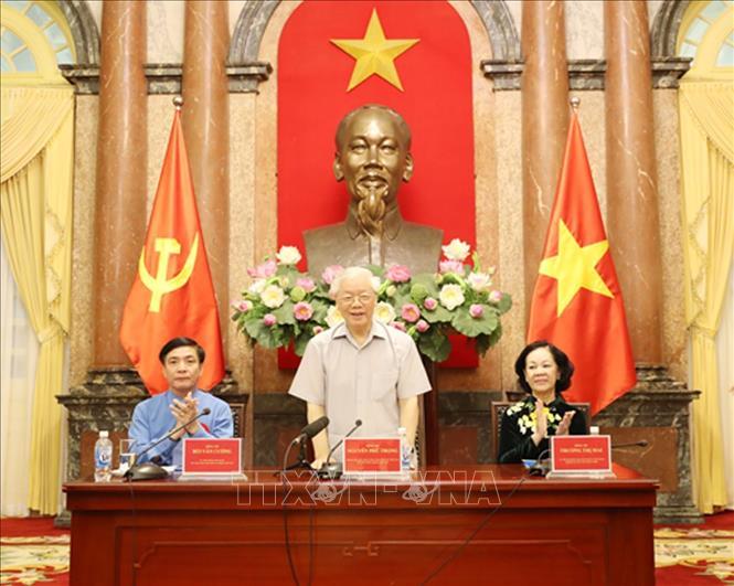 Tổng Bí thư, Chủ tịch nước Nguyễn Phú Trọng gặp mặt 100 cán bộ công đoàn tiêu biểu - 2