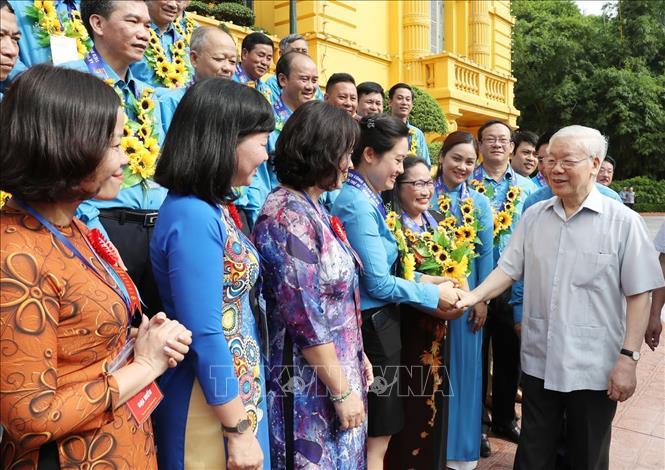 Tổng Bí thư, Chủ tịch nước Nguyễn Phú Trọng gặp mặt 100 cán bộ công đoàn tiêu biểu - 3